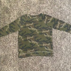 American Eagle Outfitters Camo LS Pullover